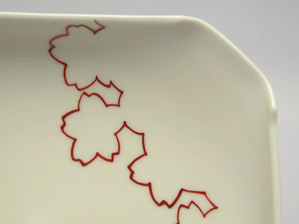赤線雲錦紋四方磁器皿