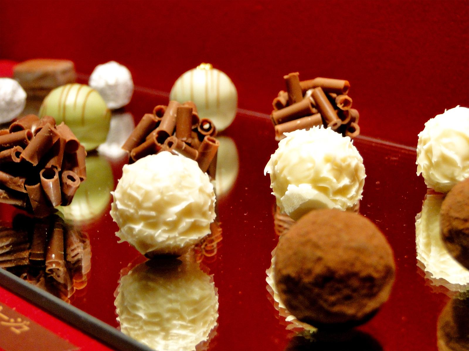 4f5c1bd5e621 ゴディバやダロワイヨなど、バレンタインギフトで贈ると喜ばれる高級ブランドチョコの紹介 │ バレンタインギフト