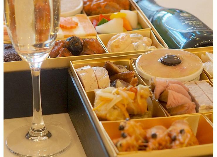 今年のおせち料理は作らずに買いたい!フランス料理ビストロやまの極上洋風おせちは1年の初めに最高のスタートをきれそう!