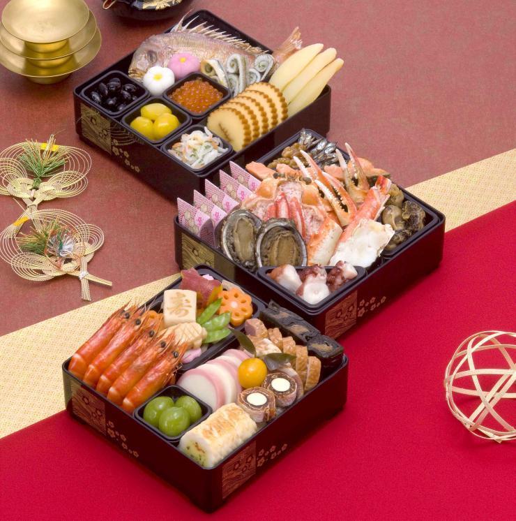 美味しさの秘密は「水」にあり!36年の伝統と技が活かされたとんでんのおせちで今年の正月を迎えよう!