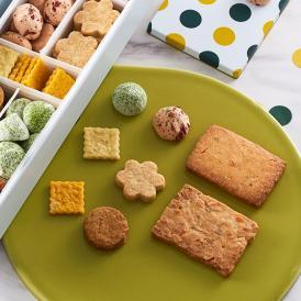 サクサクと香ばしい食感が絶妙な手焼きクッキー。ティータイムに合うスイートな7種を詰め合わせて。
