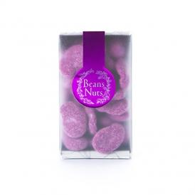 ビスケット仕立てのそら豆を、アメジストのように色鮮やかな紫いものクリームで包んで。