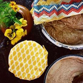 サンドイッチ、パイ皿などの大きめのお皿、 メロンの切り口などにぴったりのサイズです。