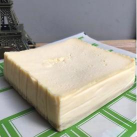 パリで人気の高級バター&チーズメゾン beillevaire(ベイユヴェール) ガトー・フロマージュ・ミ・キュイ・ホール