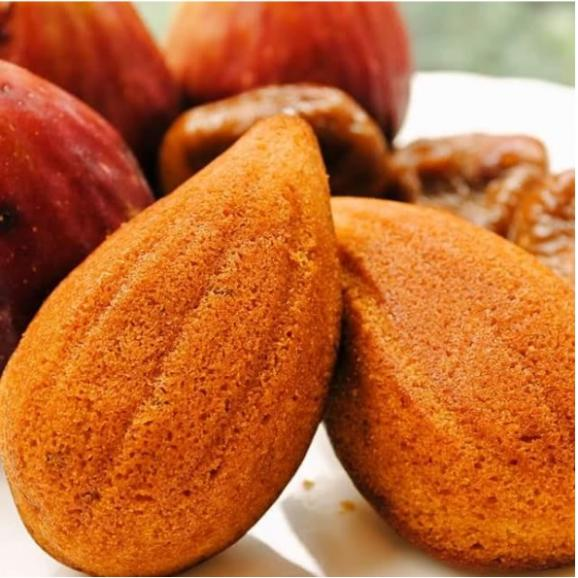 川西特産 いちじくをたっぷり使った いちじくの香りとアーモンド風味いっぱいの アマンドケーキ 詰め合わせ 8個入り01