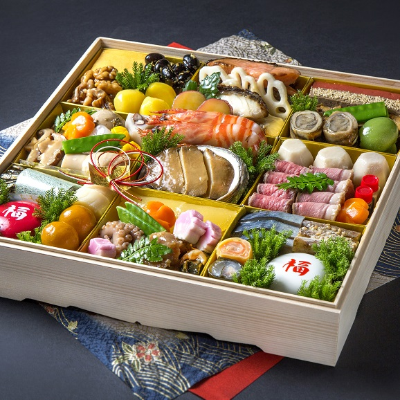 """""""旬の厳選食材を見た目に美しく盛り付けました"""" 四季の味ちひろの豪華おせち01"""