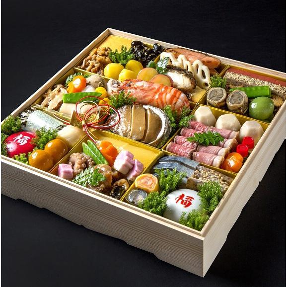 """""""旬の厳選食材を見た目に美しく盛り付けました"""" 四季の味ちひろの豪華おせち03"""