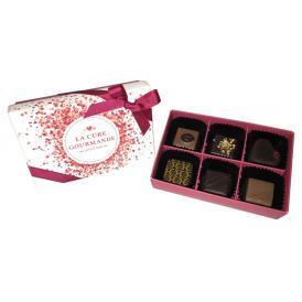 プラリネとガナッシュチョコレートが6個入ったギフトボックス
