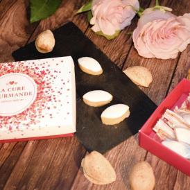 南仏プロヴァンスの代表的なお菓子カリソンにミニボックス(