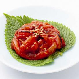 やわらかいイカの食感、麹のまろやかな甘みと薬念の辛味とコクがクセになる、絶品キムチ!