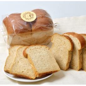 素材にとことんこだわってできた、ふっくらもちもち全粒粉100%パンです。