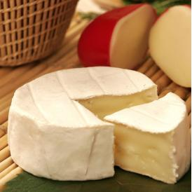 奥出雲の澄みわたる水と新鮮な生乳でつくられたチーズです。