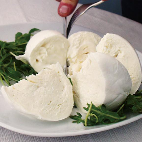 イタリア職人が作るモッツアレッラ03