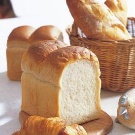 自家製天然酵母100%でつくった山形食パン。