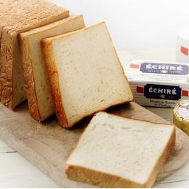 当店いちばん人気の最高峰食パン。フランス産発酵バターを贅沢に練りこみしっとりモチモチ食感が病みつきに
