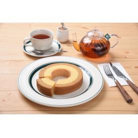 パンケーキをイメージしたふんわり食感。相性抜群のメープルとバターの風味が自慢の二層バウム
