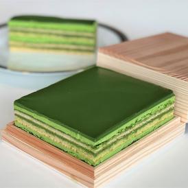 京都の宇治抹茶の伝統とフランス洋菓子をコラボレーションして仕上げました。