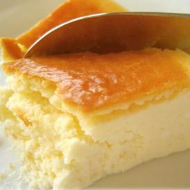 フワフワ濃厚にするために、全て手作業にこだわった、チーズケーキ専門店の極上の美味しさです。