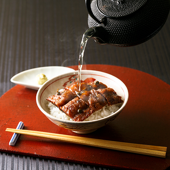 魚三楼の鱧茶漬(梅肉風味)01