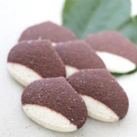 笠間和栗を使用した、口の中でほろほとろける新食感のチョコクッキー