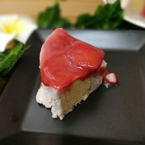 とちおとめ苺ムースクーヘン【外形約13.5cm厚さ4.5cm】02