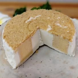 レアチーズケーキとバウムクーヘンのコラボレーション