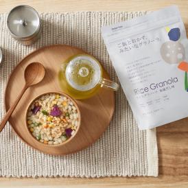 日本の大地で育った国内産100%のお米で作ったグルテンフリーの「お米の国のグラノーラ」です。