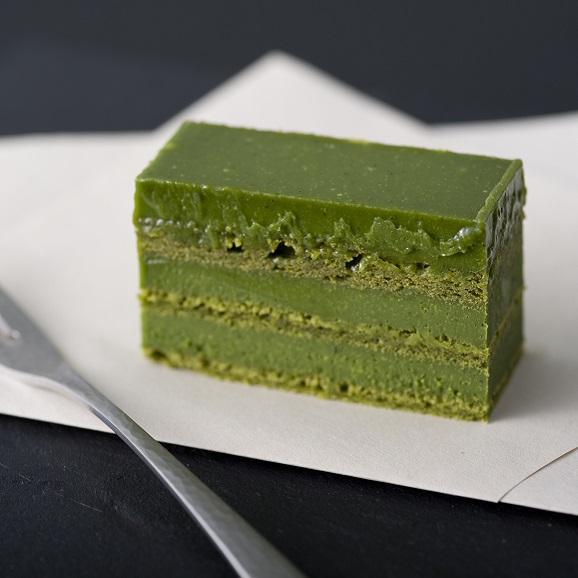 抹茶生千代古齢糖ケーキ(抹茶生チョコレートケーキ)【木箱入り】02