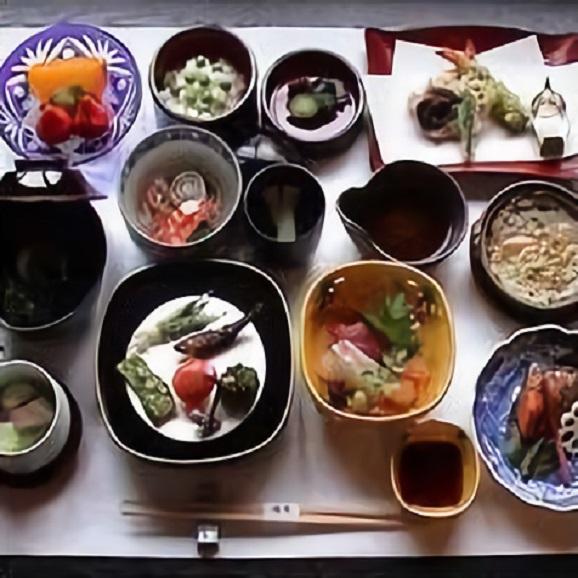ペアーでしっとり季節を感じる京料理コースのお食事券3万円01