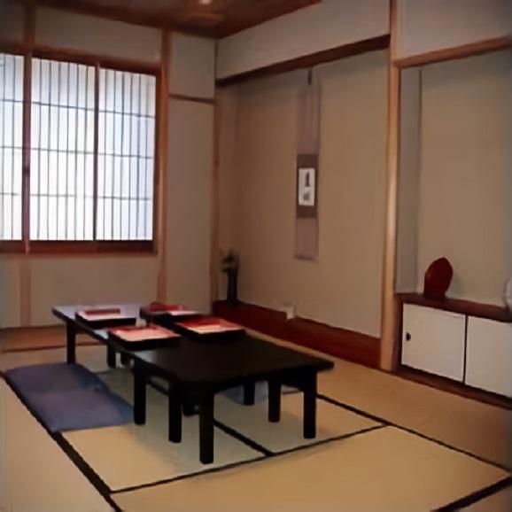 ペアーでしっとり季節を感じる京料理コースのお食事券3万円03