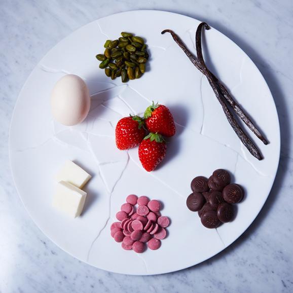 厳選された6種類の異なるフィリング プレミアムな 生チョコレート エクレアートショコラ プレミアム ECLAIR-ART CHOCOLAT06