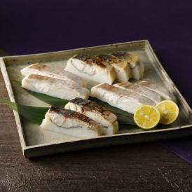 プリップリのかまぼこに脂ののったサバとマダイを押し鮨風に重ねた新感覚のかまぼこです。