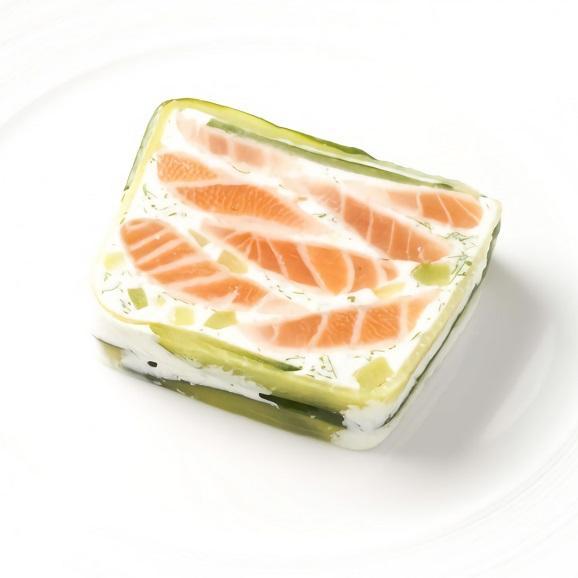 スモークサーモンと香草入りクリームチーズのテリーヌ01