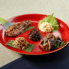 西麻布にある隠れ家日本料理屋【西麻布 万葉】がおりなす五種佃煮盛り合わせセット。