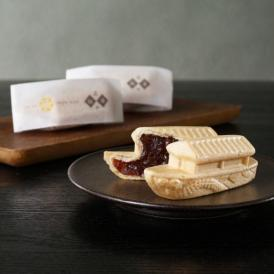 販売当初から可愛い船の形としそ味の餡がとても人気の商品です。