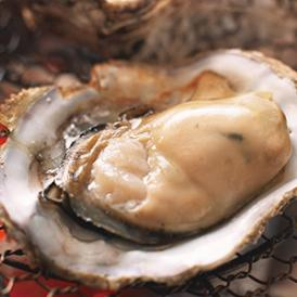 牡蠣小屋の味を味わっていただけるよう殻付きの牡蠣の風味と香ばしさを再現しました!
