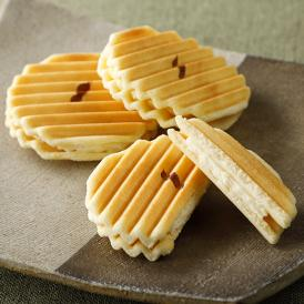 「季節の果実を和菓子に…」季節の果物をテーマにした和菓子を中心にご提供しております。