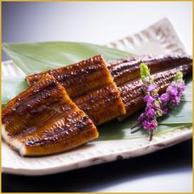鰻楽のうなぎの蒲焼は、匠の手によって一尾、一尾丁寧に焼き上げられます。【送料無料】