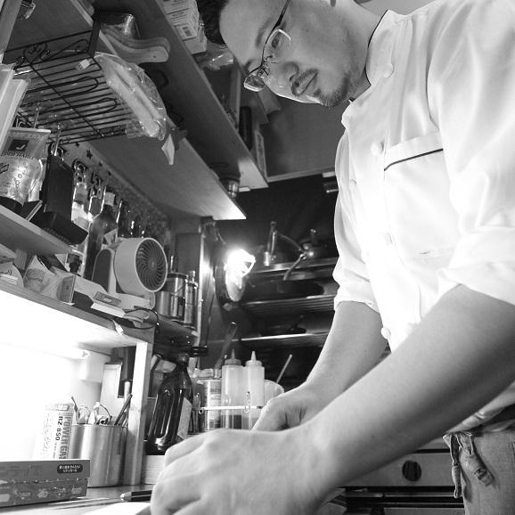 【送料無料】 神戸・岡本 身体に優しいナチュラルフレンチ 令和新春 洋風生おせち 全16品04