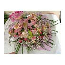 ピンクのゴージャス花束