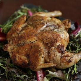 〈コルポデラストレーガ〉若鶏のディアブロ風(1/2羽)【事前予約-店頭受取】