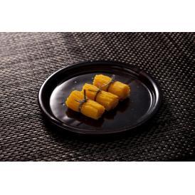 口の中でほどけるような食感と甘みの奥にある風味高い卵の美味しさ。日本を代表する銘菓。