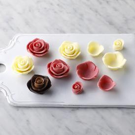 薔薇をブーケに仕立てた、透明感と気品あるショコラボックス。