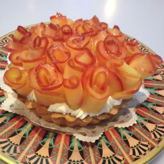 【店頭受取専用】りんごのチーズケーキ(1ホール/直径12cm)01