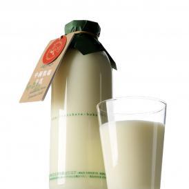中洞牧場牛乳〔720 ml〕