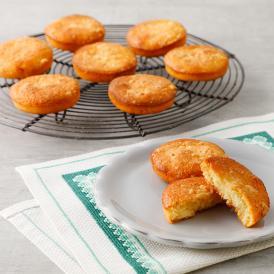 北海道産のゴーダチーズと生クリーム、バターを使った焼き菓子。口の中でほどける食感と、濃厚な味わい。