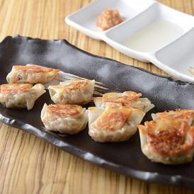 3種類の貝の旨汁をバームクーヘン豚に練り込んだ「爆旨餃子!」
