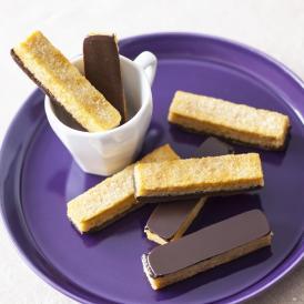 サクサクのパン生地に、クーベルチュールチョコレートをコーティングしたOGGIこだわりのラスクです