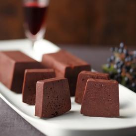 とろける食感のチョコレートケーキ