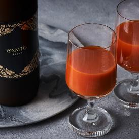 数時間、熟練した職人がつきっきりの手作業で作り上げた最高級のトマトジュース。